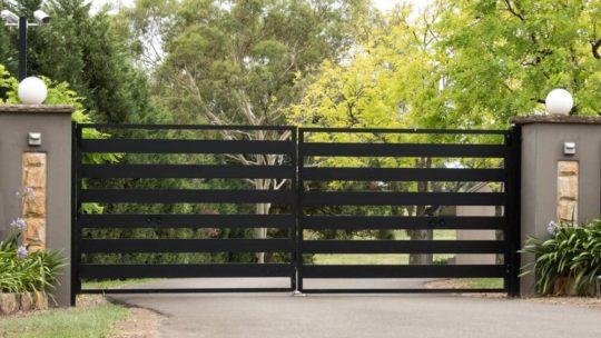 Portail et clôture : guide d'entretien
